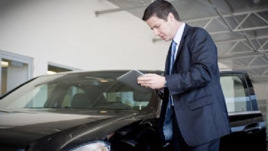 Mercedes-Benz tries the iPad